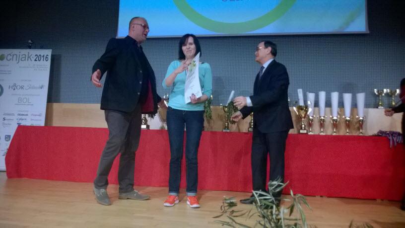 Vedrana Rakovac prima zlatnu medalju