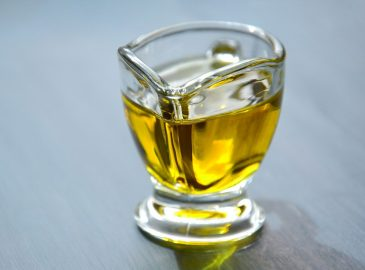 pravo ekstra djevičansko maslinovo ulje